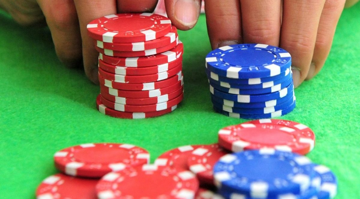 Poker Strategy: How To Use Poker Odds In Your Favor