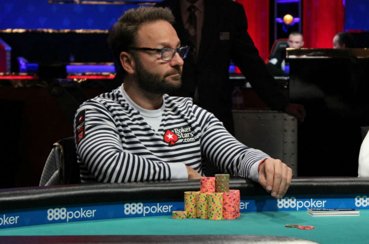 Negreanu Asks Poker Rooms to Suspend Activities