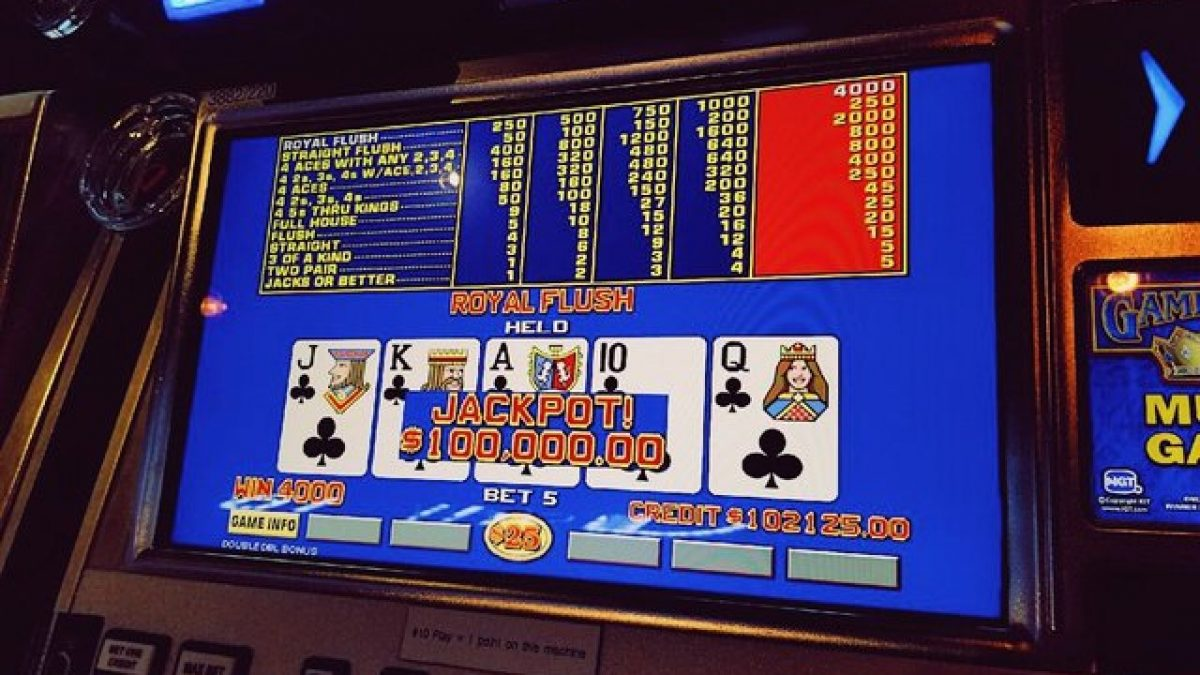 Video Poker vs. Online Poker — What's the Difference?