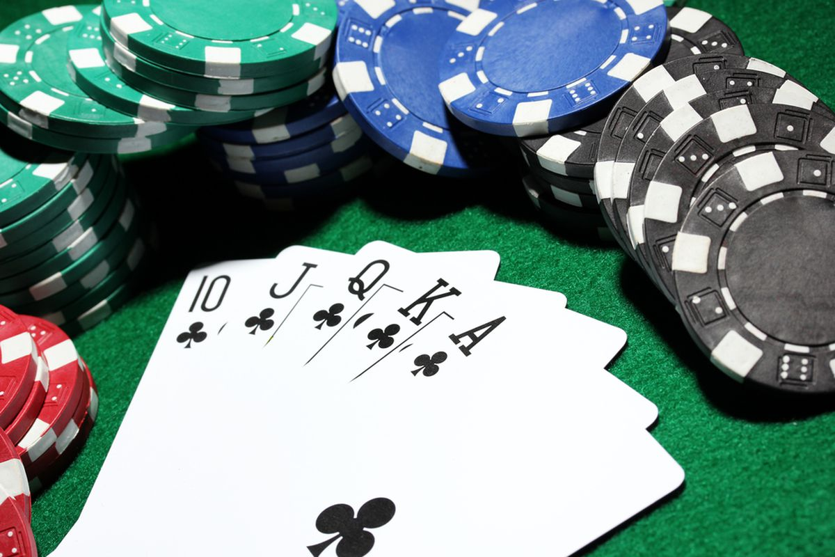 Controversy Strikes First Midway Poker Tour